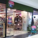 Petit Miracles Shop Front